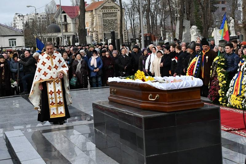 Petrache înmormântare