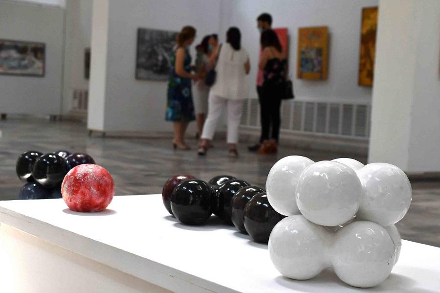 expoziție Igor Vieru